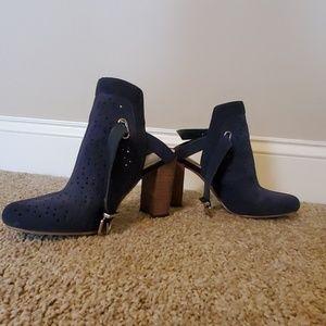 Crown & Ivy Heels